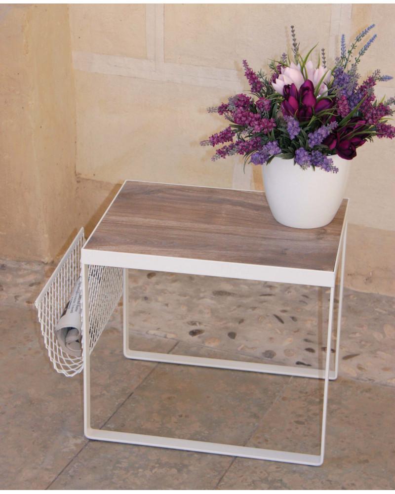 Tavolino in ferro battuto con ripiano in legno Matteo